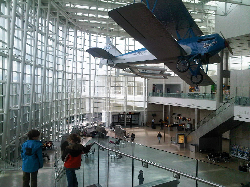 12-Seattle-Tacoma airport-flickr-N i c o_