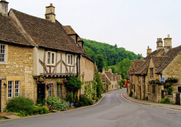 Top 12 Vacation Spots in England