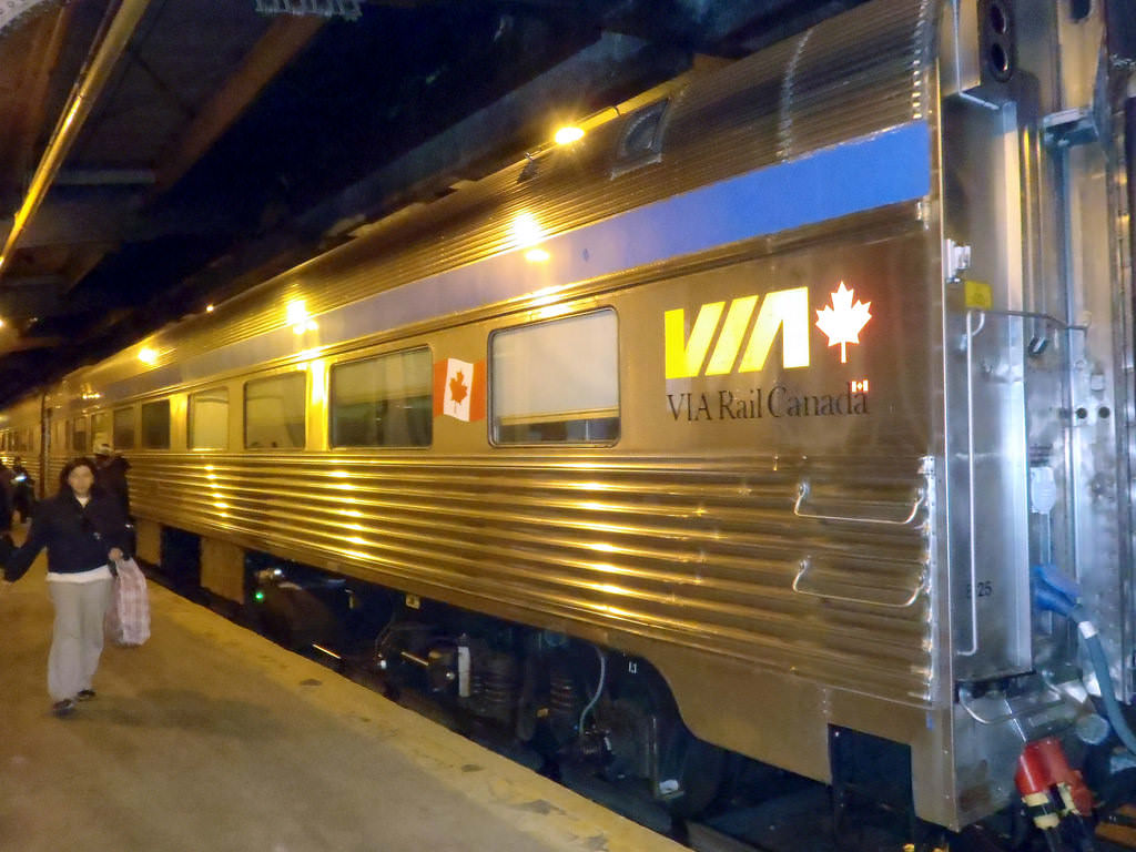 17 best train trips in the us and canada viral travel for Best train vacations in the world