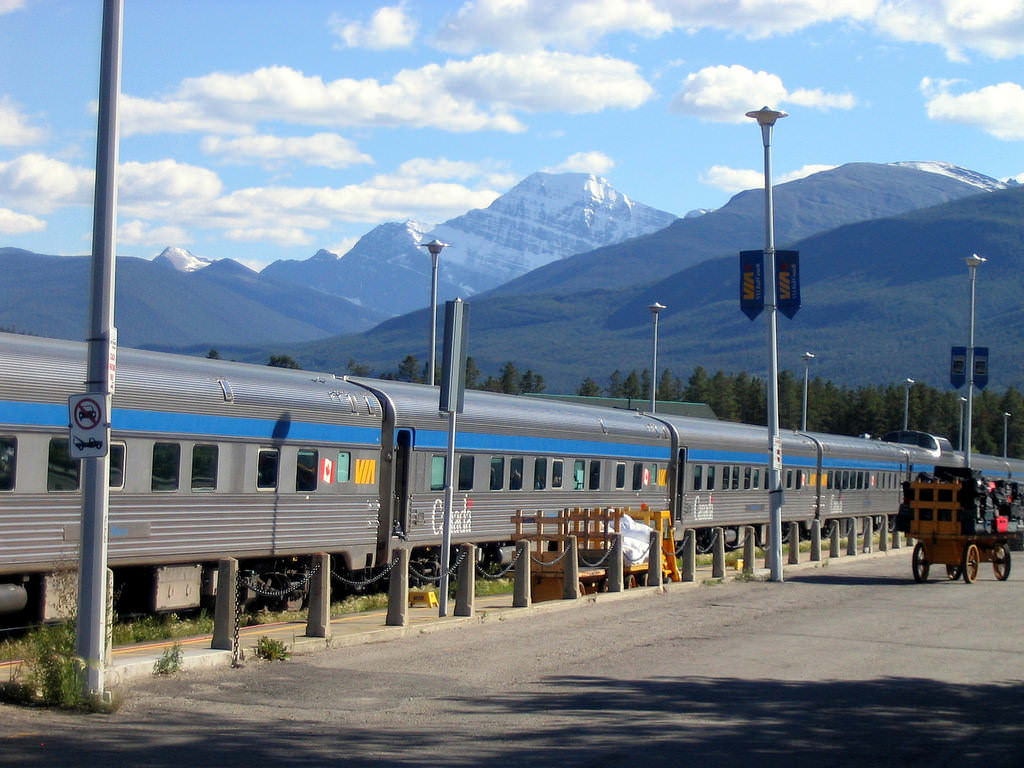 17 Best Train Trips In The Us And Canada